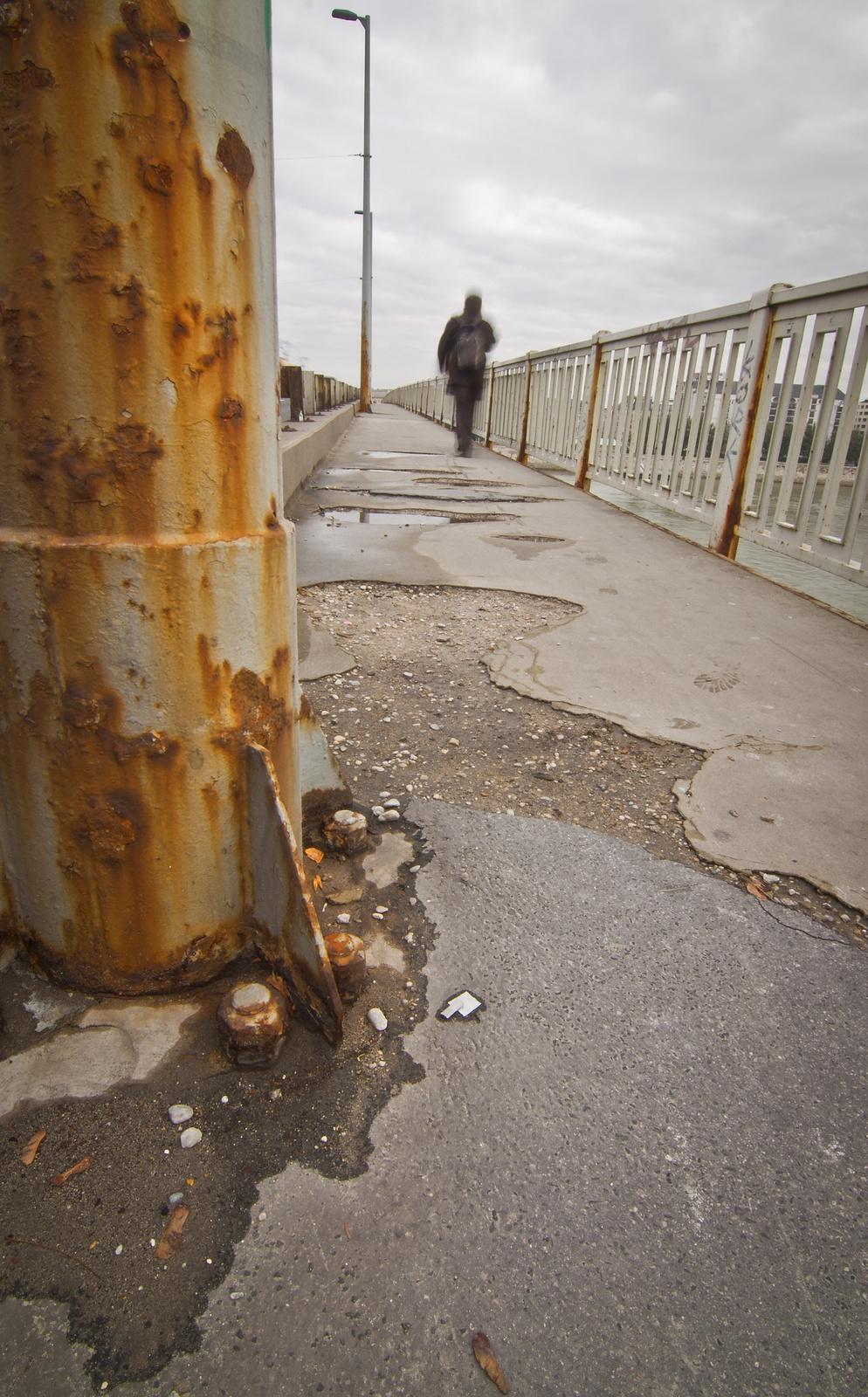 Petőfi rozsdás hídja