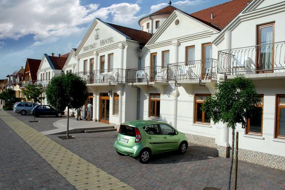 ametiszthotel: Ametiszt Hotel utcafront