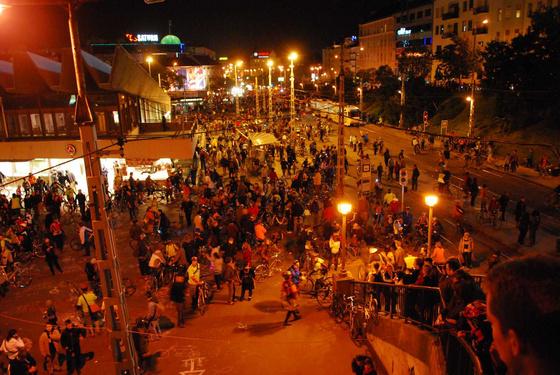 darthwalk: DSC 3227 Lassan szétszélednek az emberek