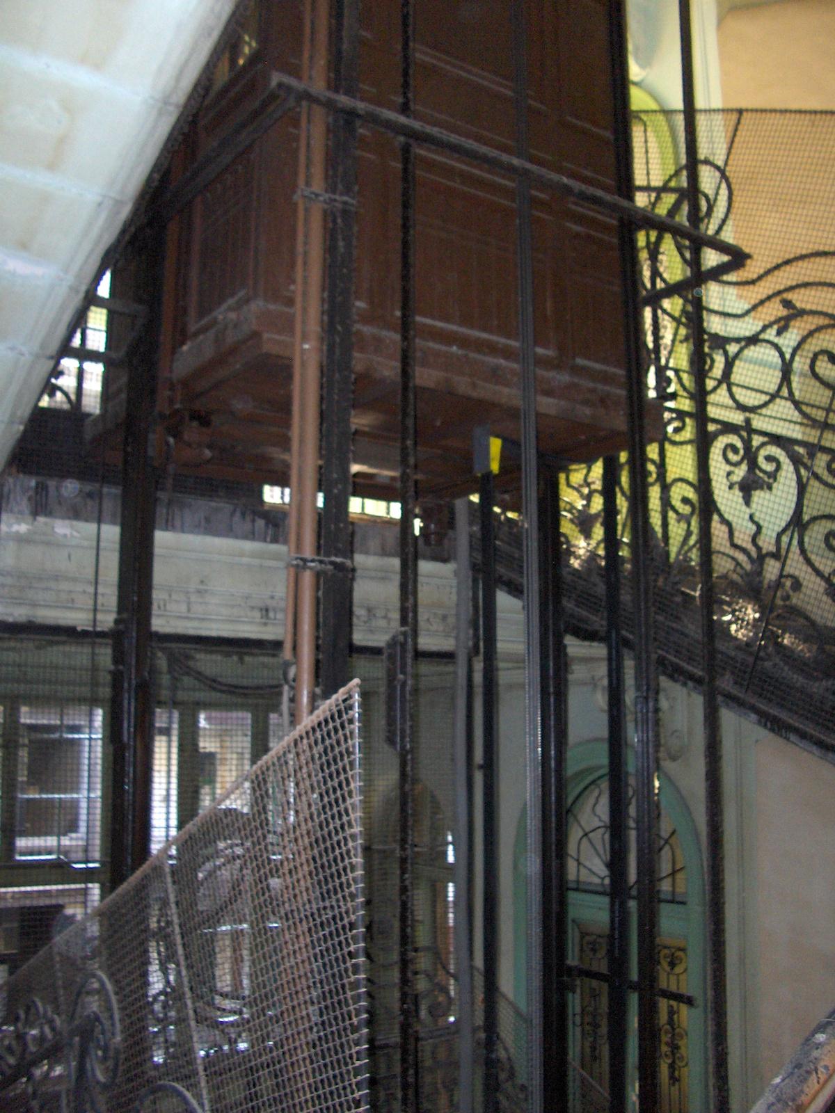 Semmelweis utca 4 010