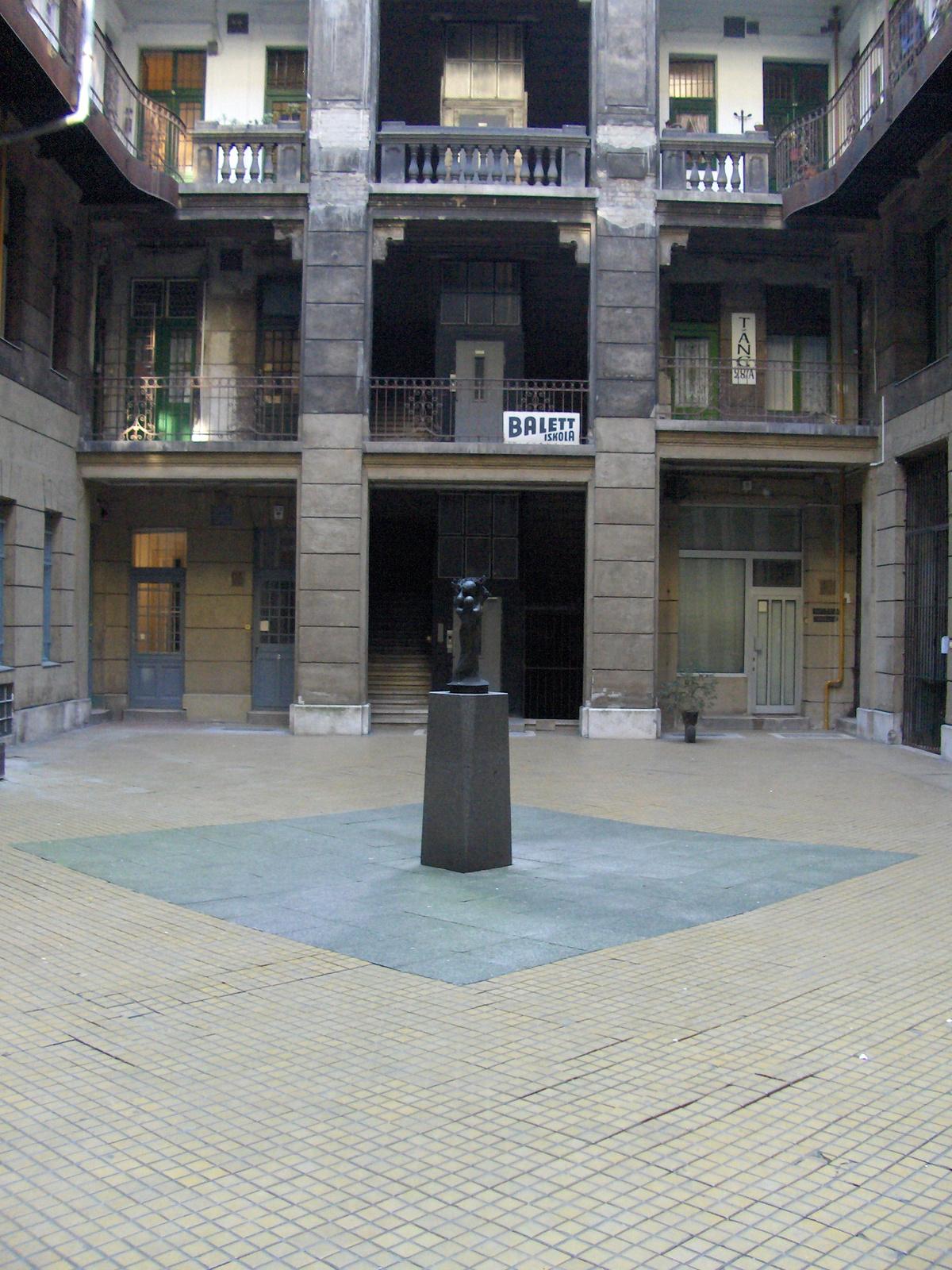 Semmelweis utca 4 078