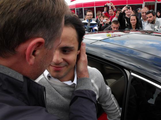 sferrari: Felipe búcsúja megmentőjétől az arcáról minden leolvasható