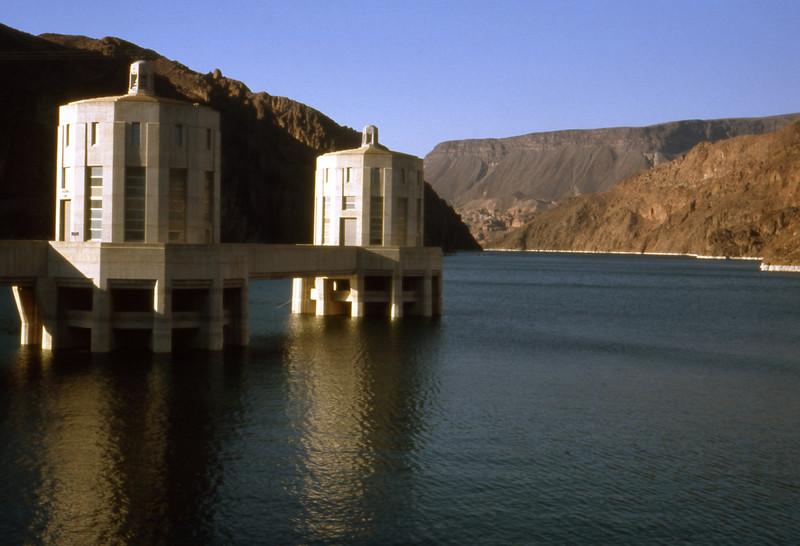 Hoover gát USA 48°árnyékban