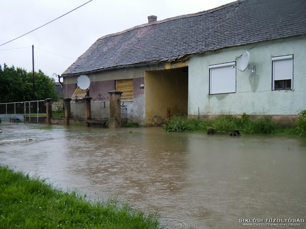2010 06 02 Elöntötte a víz Ózdfalut 2