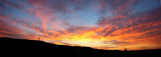 Ades: Pécsi napfelkelte