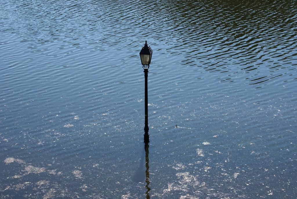 2010.06.09. Lámpaoszlop a Sugovica sétányon