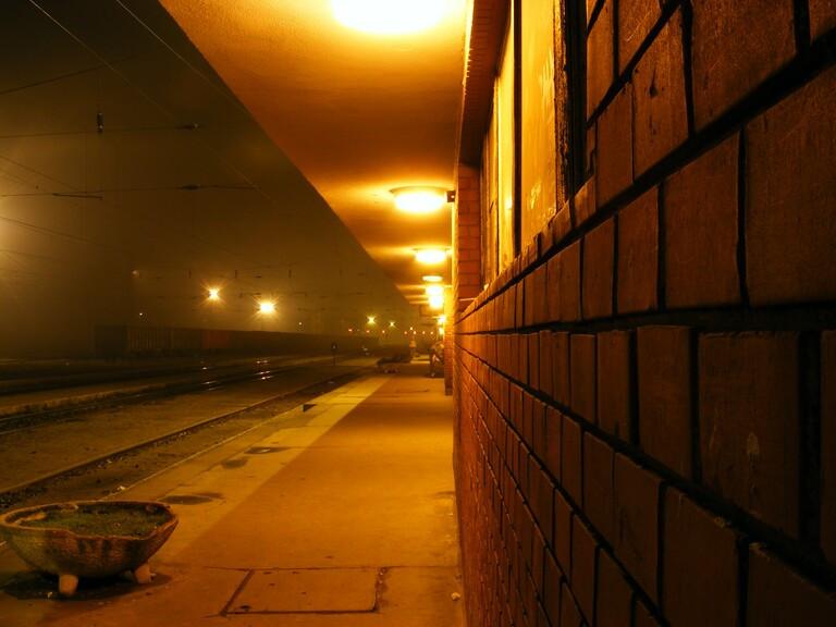 Kikövezett folyosó