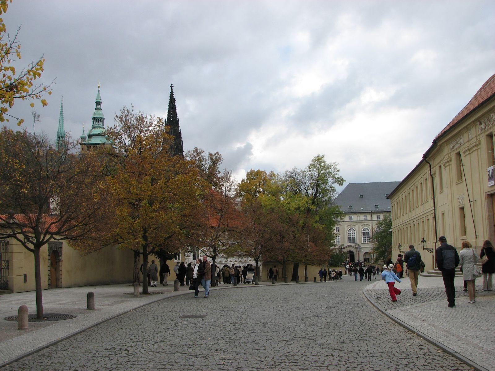Prágai vár utcája